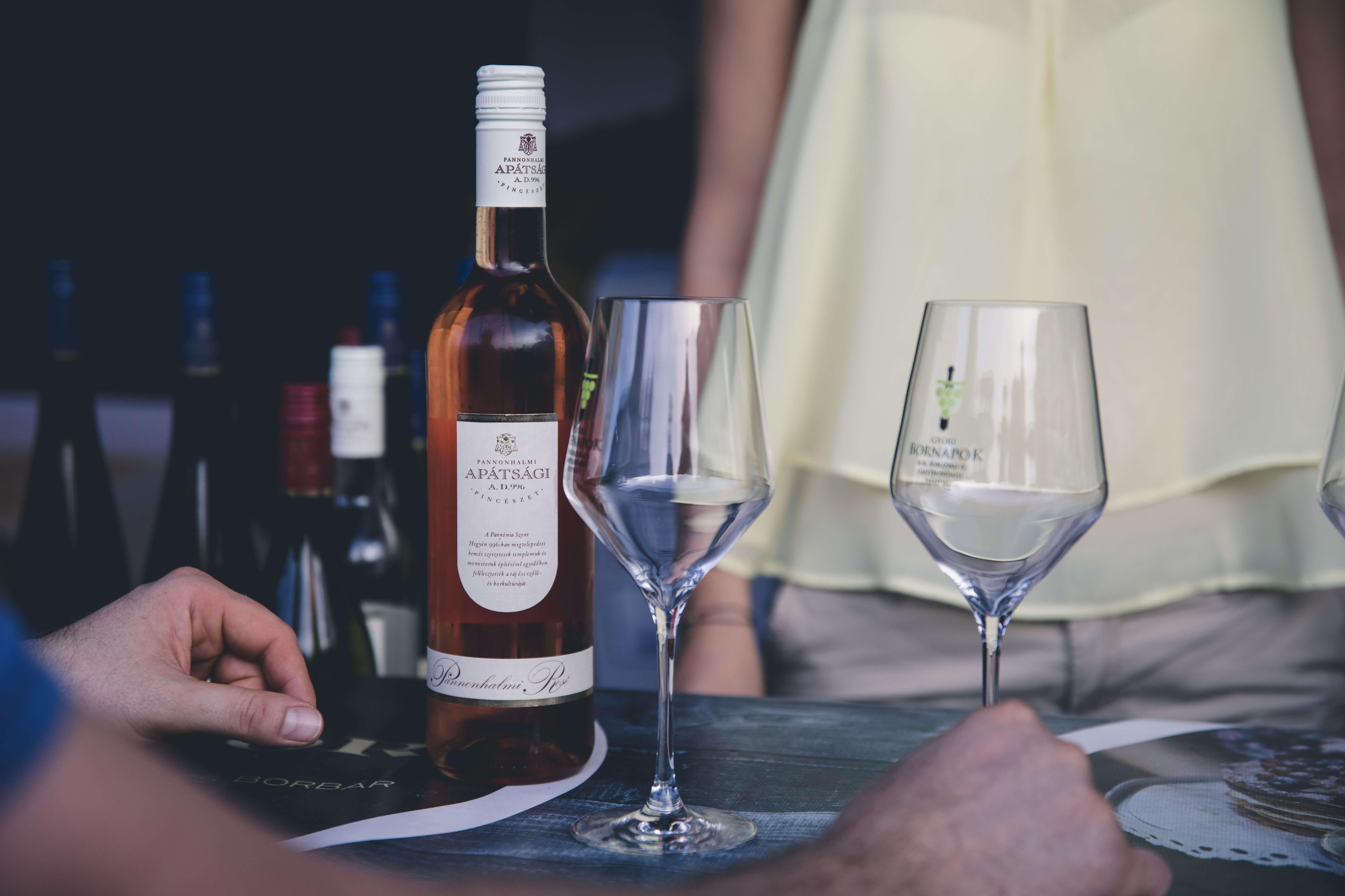 Smart Wine Glass is revolutionizing wine tastings